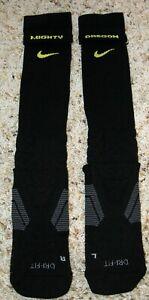 MIGHTY OREGON DUCKS MINT XL BLACK & GOLD TEAM-ISSUE VAPOR DRI-FIT FOOTBALL SOCKS