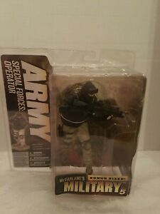 MCFARLANES BONUS SIZE MILITARY SERIES 5 ARMY SPECIAL FORCES OPERATOR GREEN BERET