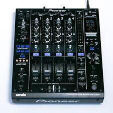 Pioneer DJM 900 SRT Serato 4 Kanal DJ Mixer mit USB-Soundkarte