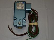 """MAC solenoid valve 224B-111NABA 120/60 110/50 24VDC 1/8"""" ports in and out"""