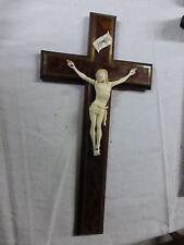 superbe Croix murale crucifix  CHRIST sculpté  XIXe sur loupe