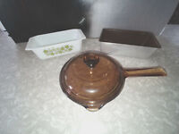 HOUSEHOLD KITCHEN VINTAGE POTS AND PANS SET OF 3 BREAD PAN GLASS POT.
