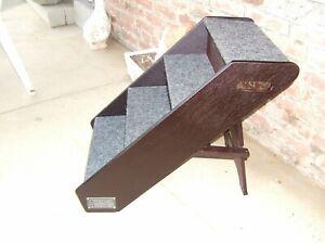 Animal Planet Pet Steps Wood Adjustable Frame Carpeted Steps Pre Owned