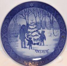 "Royal Copenhagen 1979 Collectors Plate ""Choosing The Christmas Tree"""