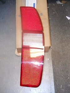 NOS 1971 1972 FORD COUNTRY SQUIRE TAIL LAMP LENS RH