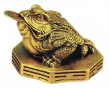 Feng Shui- Golden Money Frog sitting on Ba Gua Mirror