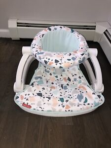 Fisher Price Infant Sit-Me-Up Floor Seat In Multicolors With 2 Rattle Toys