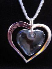 Collier pendentif avec boite Amoureuse cristal argent Lalique France. Pendant.