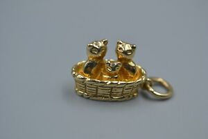 9ct CATS IN A BASKET CHARM