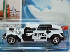 Johnny Lightning - Surf Rods - Cowabunga Boys - Ambulance - Diecast