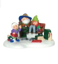 Department 56 North Pole A Perfect Fit Figurine #56856