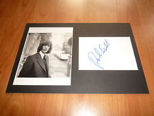 BEE GEES Robin Gibb signed Autogramm in 20x 30 cm Passepartout InPerson LOOK