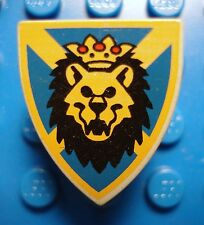 LEGO Light Gray Minifig Triangular Shield with Lion Head, Blue & Yellow Pattern