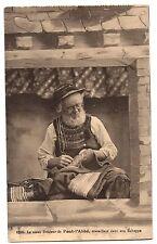 CPA 29 - PONT L'ABBE (Finistère) Le Vieux brodeur de Pont l'Abbé travaillant