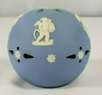 VINTAGE WEDGWOOD POTPOURRI BALL MADE IN ENGLAND BLUE /WHITE BEAUTIFUL CONDITION