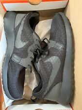 NIKE ROSHE ONE HYPERFUSE SE (BLACK) size 42