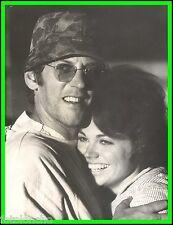 "JO ANN PFLUG & DONALD SUTHERLAND in ""M.A.S.H."" Original Vintage PORTRAIT 1970"