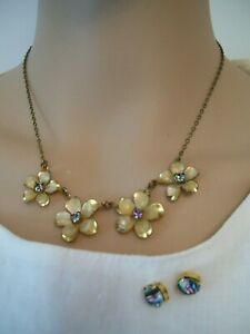 """1950/60s FLOWER NECKLACE 16"""" & EARRINGS WITH RAINBOW CRYSTAL C MORE C'BINE P&P"""