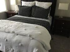 Pottery Barn Teen White Crinkle Puff Quilt Full/ Queen & Black Polka Dot Dottie