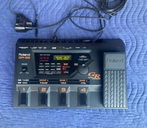 Roland GR-33 Guitar Synthesizer Effects Pedal Synth with Cables and GK-2a Pickup