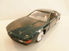 Voitures de courses miniatures verts BMW