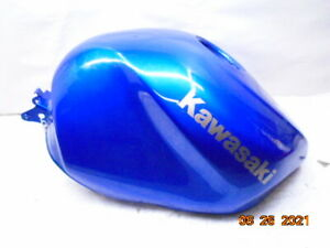 2004 2003 03 04 Kawasaki Ninja 636 ZX6R ZX636 fuel gas tank