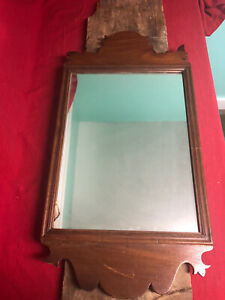 18th c. Chippendale Wood Mirror with hand  Carved 1785 - 1795, ORIGINAL