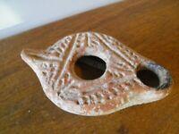lampe a huile de époque romaine en terre cuite