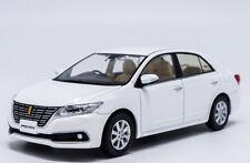 1:30 Toyota PREMIO Die Cast Model