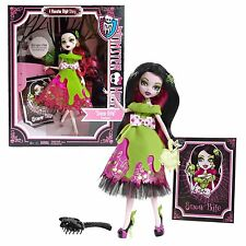 Monster High Once Upon a Time Snow Bite Draculaura  A Monster High Story NIB