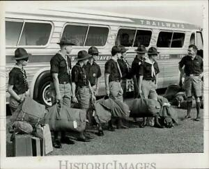 1967 Press Photo Boy Scouts with their duffel bags at side of bus - tta10905