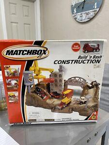 Matchbox Build n Bash Construction Playset 2001 NEW
