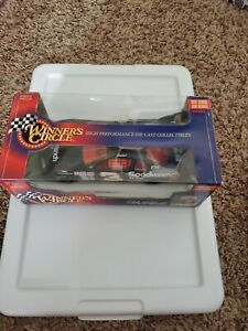 1997 DALE EARNHART 1:24 COLLECTIBLE CAR:FREE SHIPPING