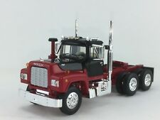 1/64 FIRST RED/BLACK MACK R MODEL DAY CAB