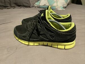 Nike Free Run 2 Athletic Shoes for Men