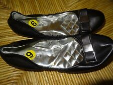 Women's size 9 black ballet flats by Rampage **very nice shoes**