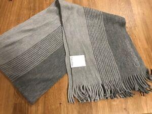 New luxury incredibly soft Calvin Klein grey knit Logo scarf men's one size $55