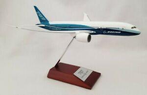 Hogan 787 Dream Liner Boeing Model