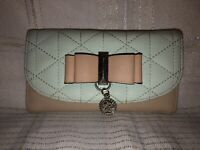 NEW GUESS DIEGO GRAY+TAUPE PATCHWORK FAUX SUEDE,ZIP,BIFOLD,WALLET,CLUTCH