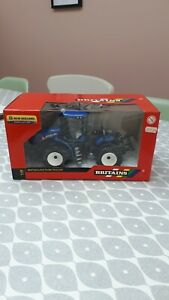 BRITAINS FARM TOYS 42629 NEW HOLLAND T9.390 TRACTOR ON DUALS ( NEW IN BOX )