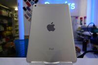 Apple iPad mini 4 16GB, Wi-Fi + Cellular (Unlocked), 7.9in - Silver Used