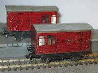 2 Hornby Dublo OO Gauge E2337 Maroon Horse Boxes