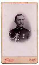CDV. Militaire avec sa médaille. Phot Victoire, Lyon