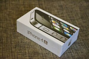 NEW Apple iPhone 4S 8GB black UNLOCKED