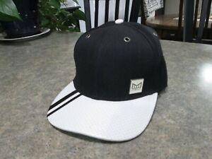 MELIN THE STATEMENT Black White Adjustable Hat Besmie WeCos EXCELLENT COND