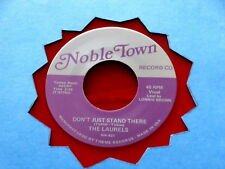 LAURELS~ DON'T JUST STAND THERE~ RARE RED WAX~ MINT~ RHYTHM~ NOBLE ~ DOO WOP 45
