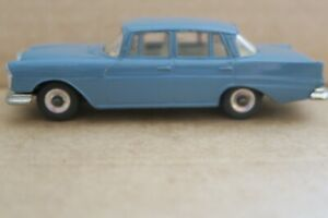 Dinky 186  MERCEDES-BENZ 220SE  LHD  CAR   used / unboxed     APPROX.1.50 SCALE