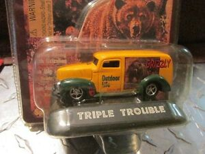 1940 40 FORD delivery OUTDOOR LIFE MAG grizzly  Racing Champions 1:64 1 OF 9,999