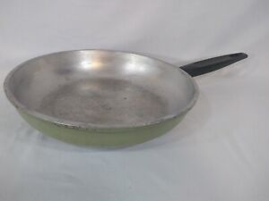 Regal Cookware Cast Aluminum 10 Inch Frying Pan - Olive Green