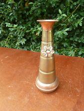 Pequeño florero para una sola flor de latón y cobre, flor